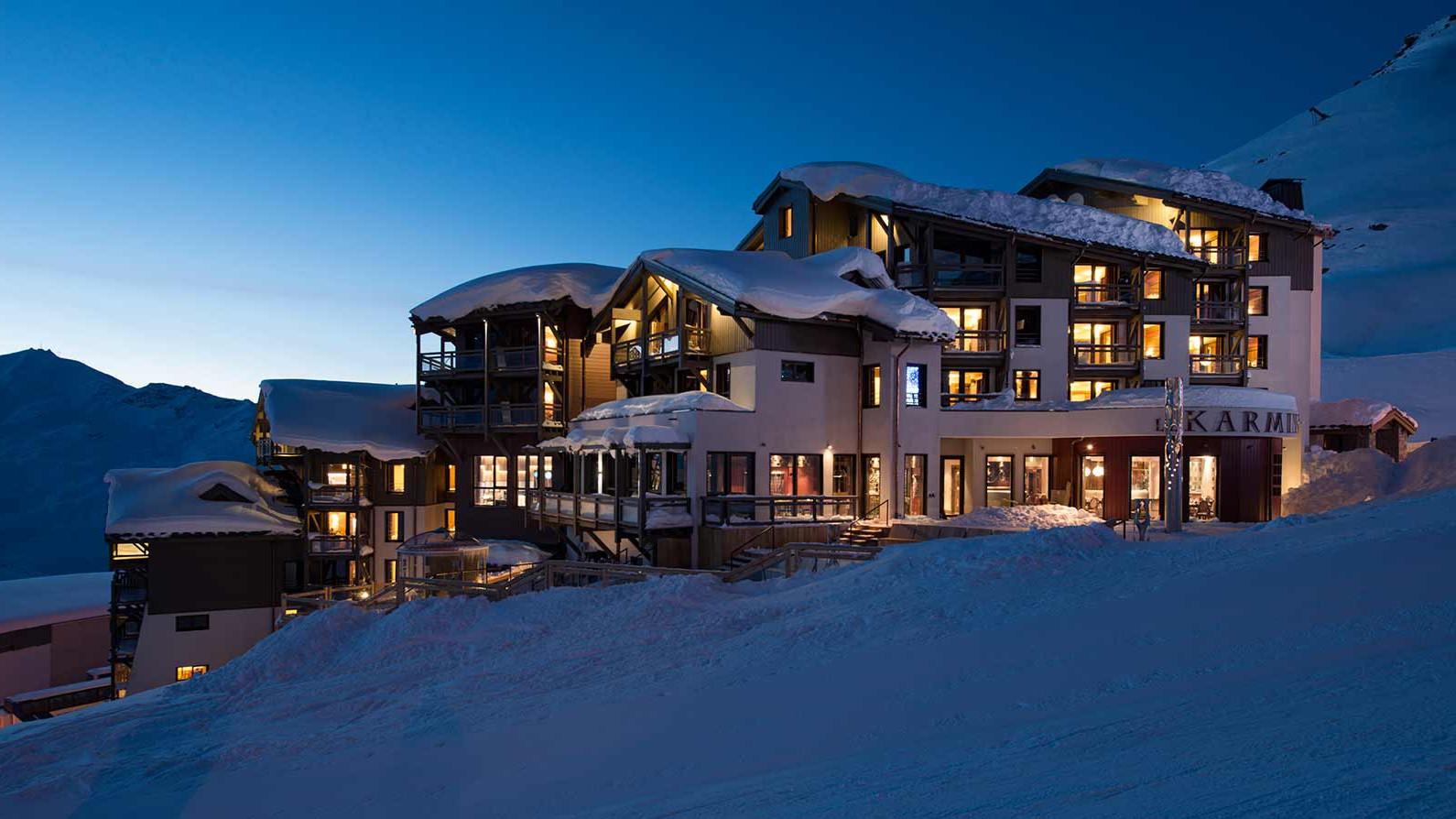 Hotel Le Hameau du Kashmir, Val Thorens -  Exterior night