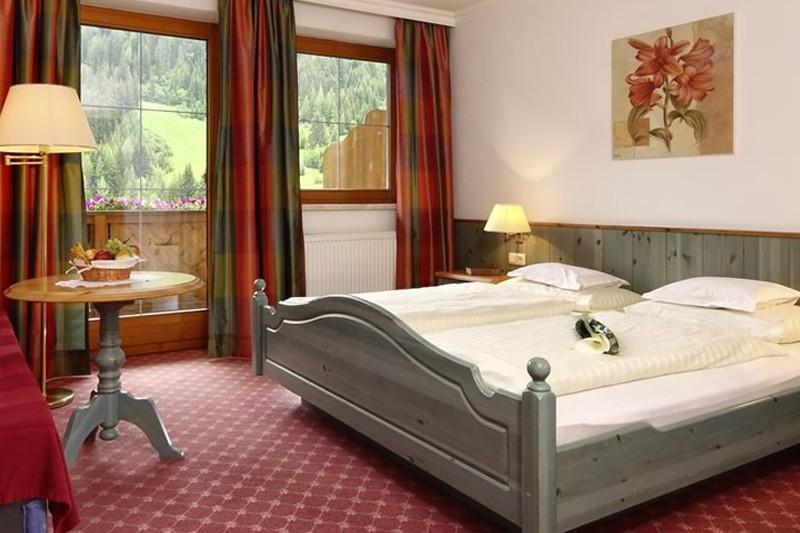 Hotel Kertess, St Anton - bedroom