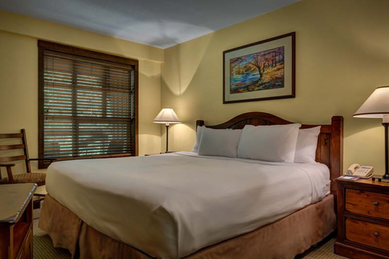 King Bed, Coast Blackcomb Suites - Ski Hotel in Whistler, Canada