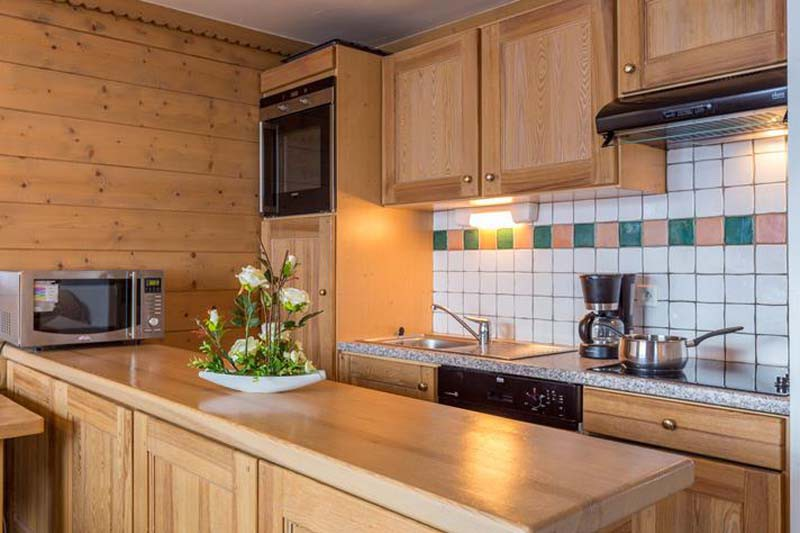 Kitchen, Residence Le Sun Valley - Self-Catered Ski Apartments in La Plagne, France