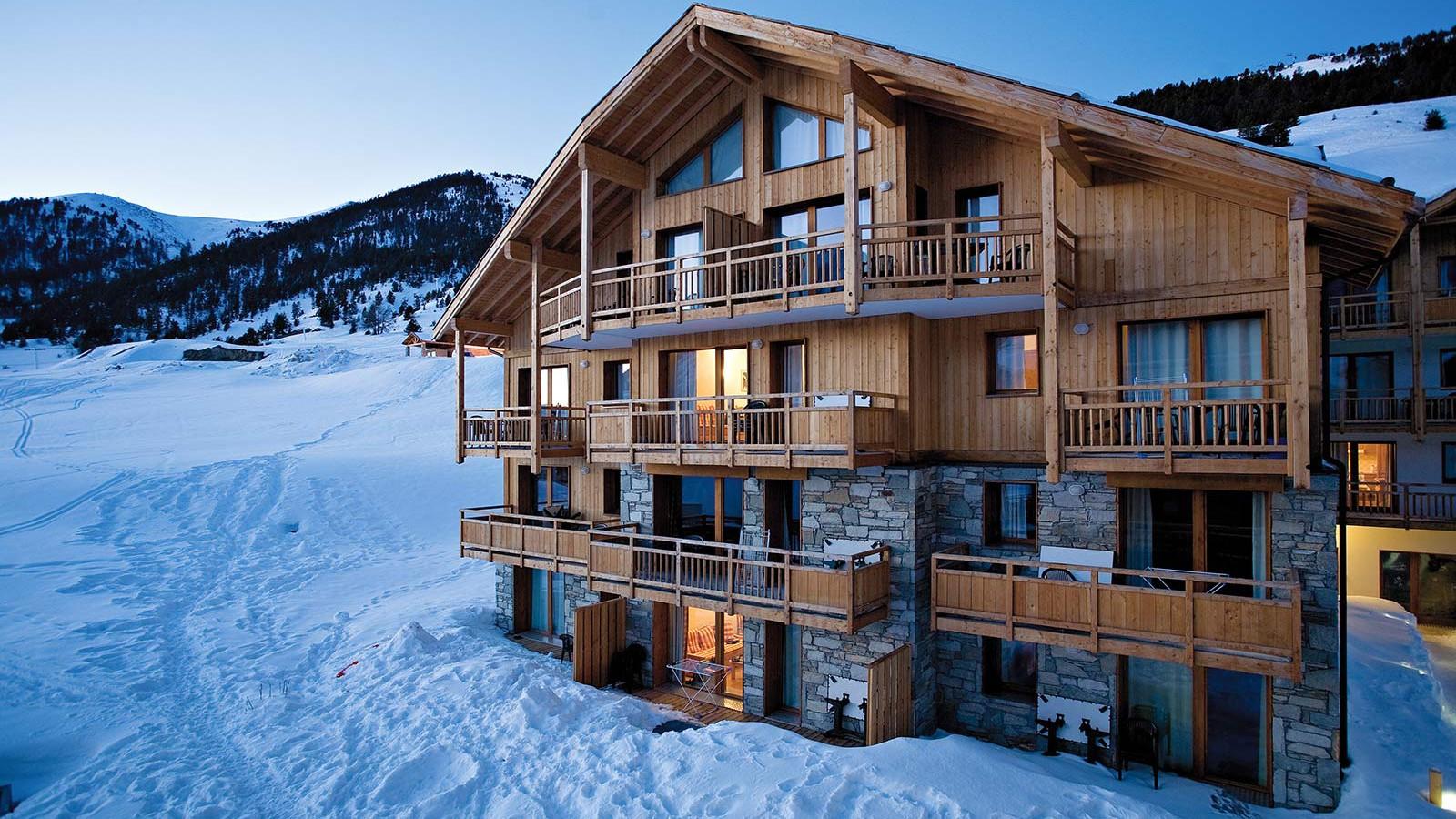 Le Hameau des Airelles Ski Apartments, Montgenevre, France