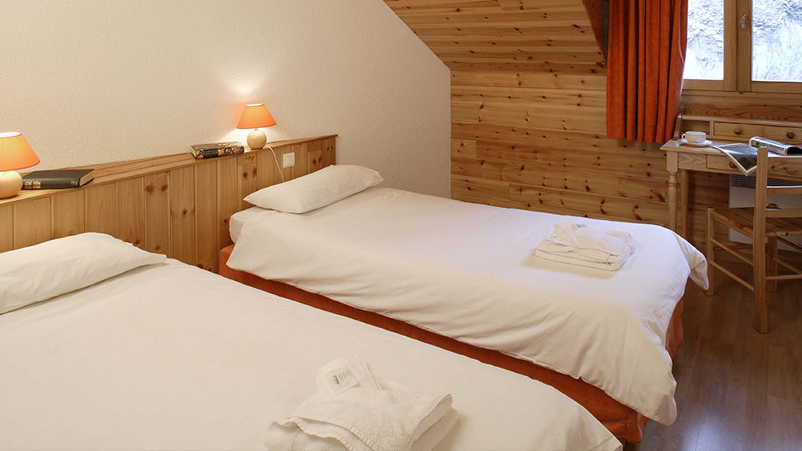 Chalet Les Rouses bed, Les Deux Alpes