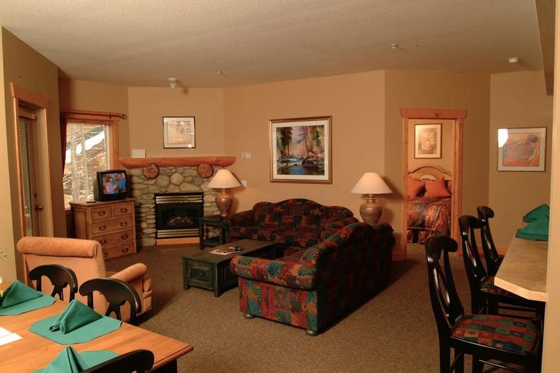 Condo Lizard Creek Lodge, lounge, Fernie