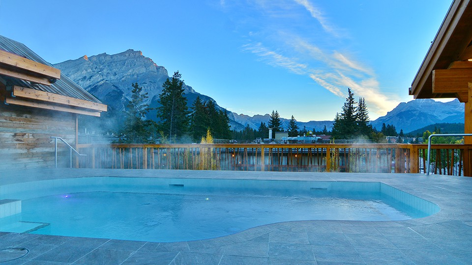 Moose Hotel and Suites, Banff - Hot Tub