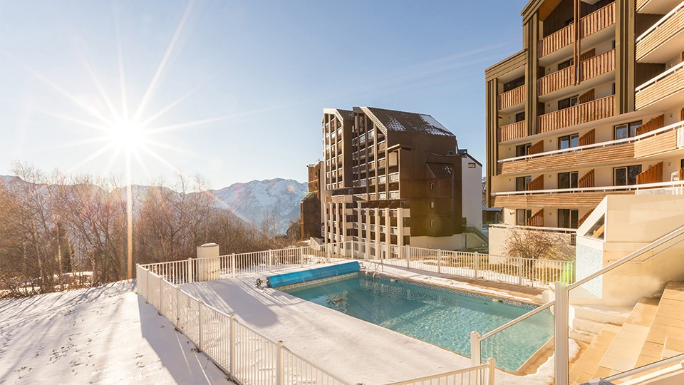 Outdoor Pool, Residence Les Bergers, Alpe d'Huez, France