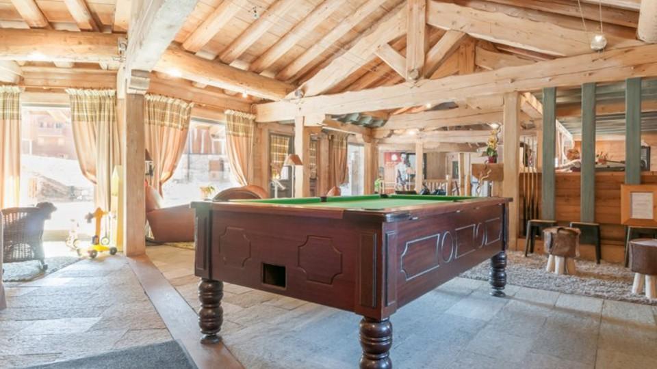Pool Table, Residence Les Fermes du Soleil, Flaine, France