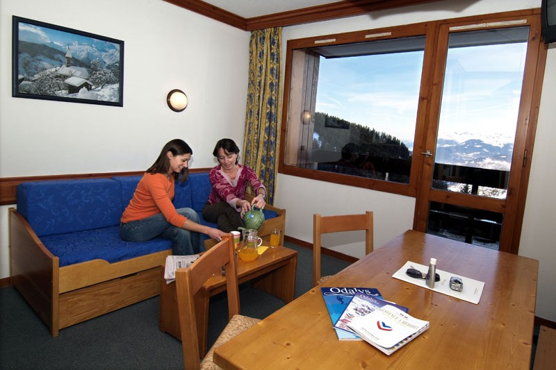 Hammeau du Mottaret self-catering apartments lounge, Meribel