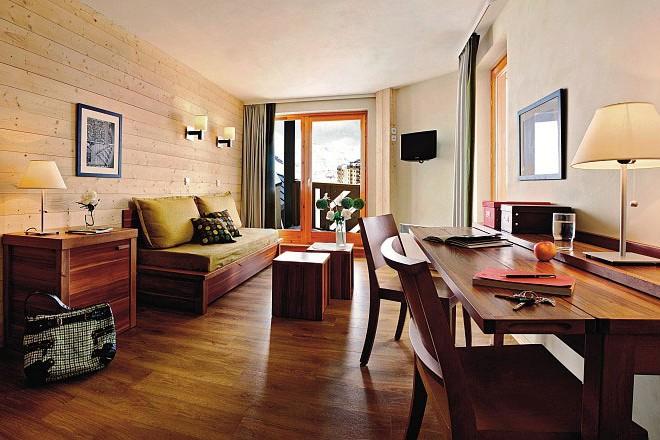 Residence Les Plagne Lauze Apartments lounge wood, La Plagne