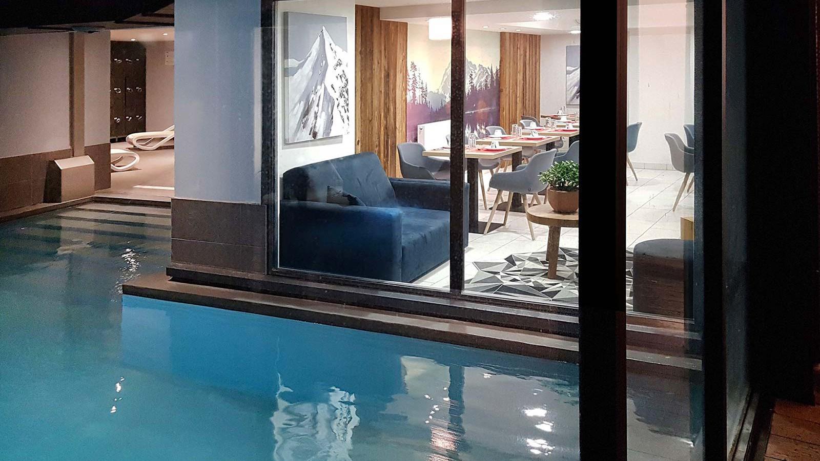Residence Isatis - Self-catered apartment-chamonix-residence - pool