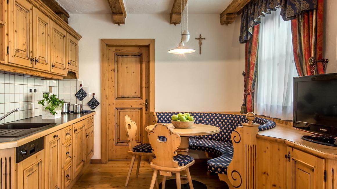 Residence Vila - Corvara and Colfosco - Apartment Northside - Kitchen - Dining