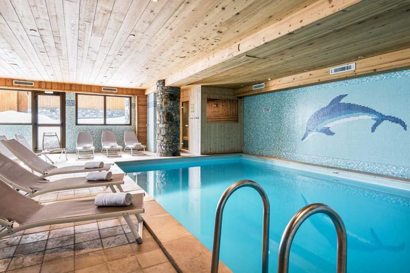 Ski lodge aigle tignes france skiworld for Pool design france