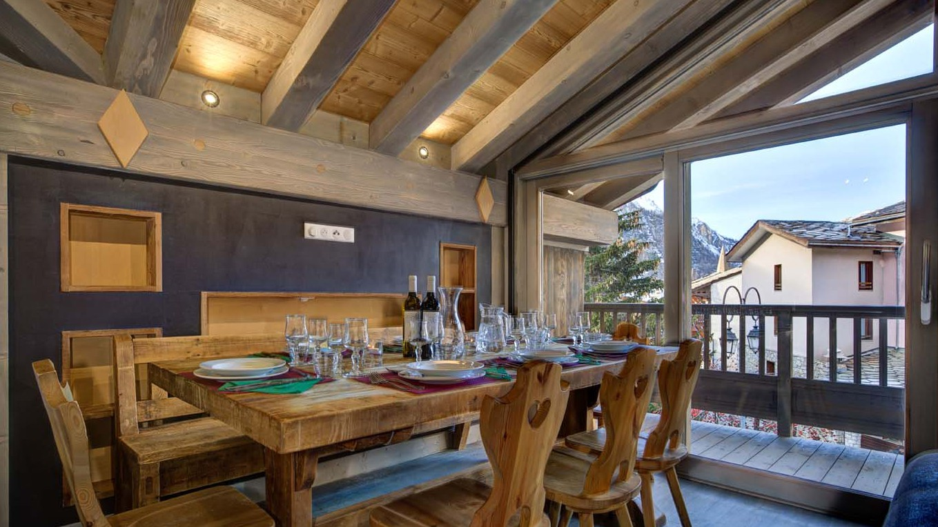 Dining table - Chalet Sylvie - Ski Chalet in Val d'Isere, France