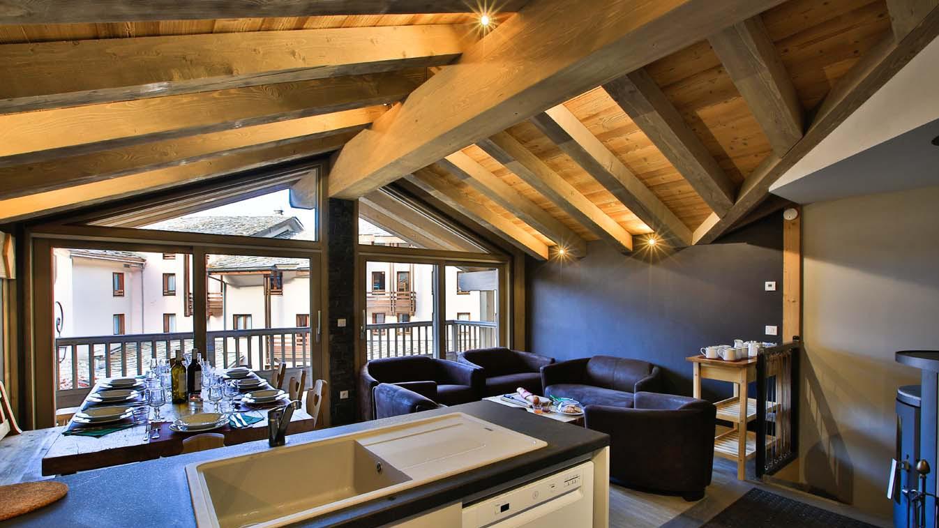 Lounge - Chalet Sylvie - Ski Chalet in Val d'Isere, France