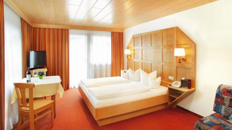 Tirolerhof - St Anton - Rooms