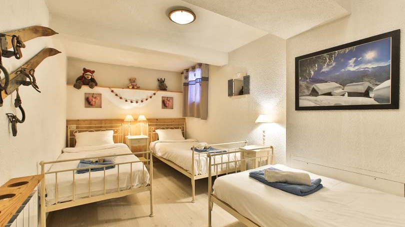 Triple Bedroom in Chalet Panoramique - Ski Chalet in La Plagne, France