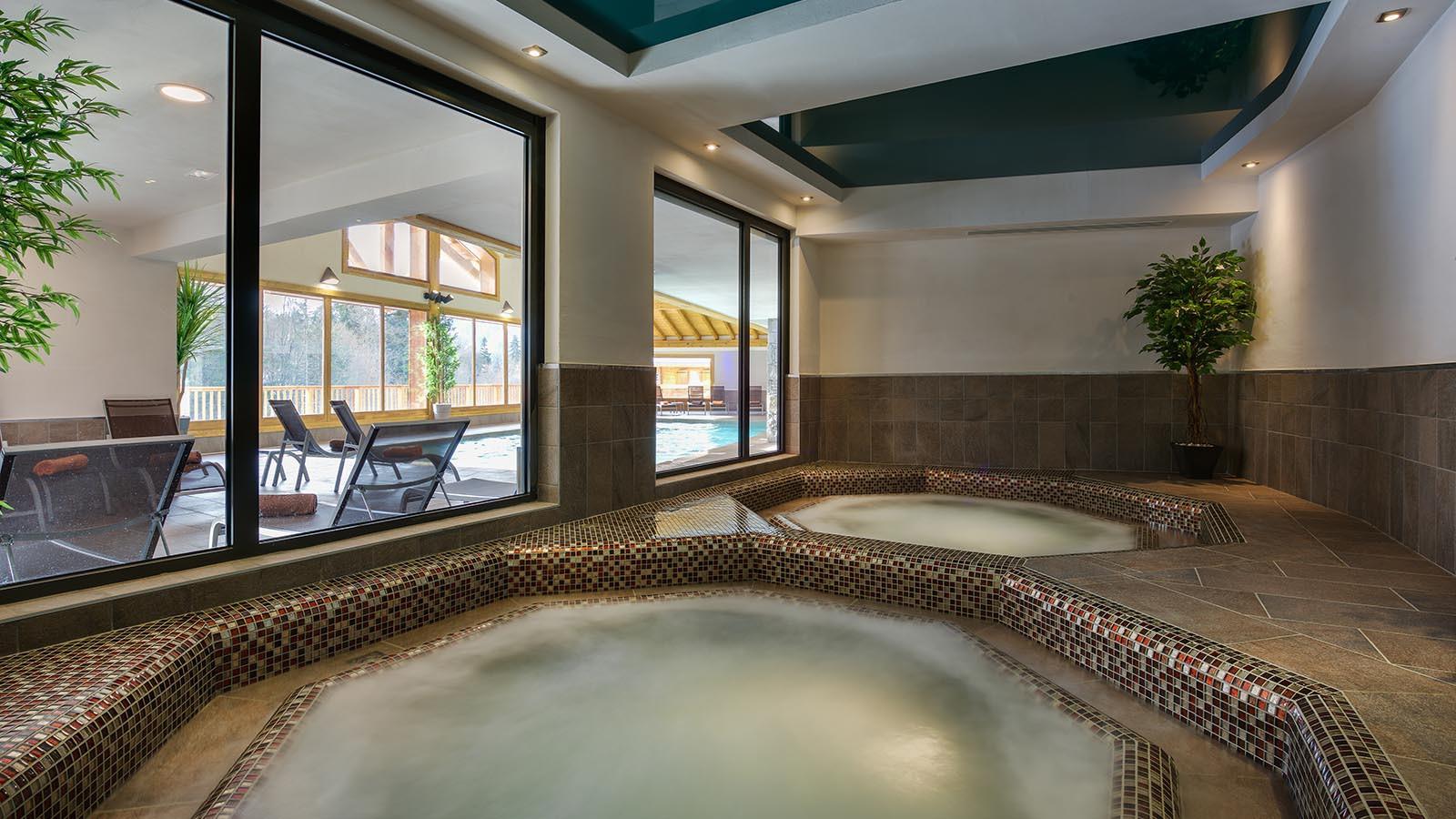 Whirlpool at CGH Apartment Leana