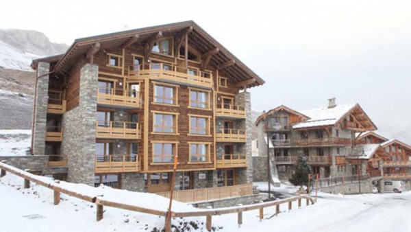Snowy Exterior of Chalet Alfredo, Tignes, France