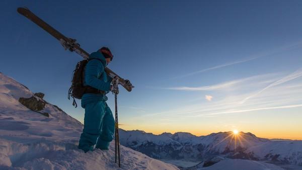 Skier sunset Alpe d'Huez