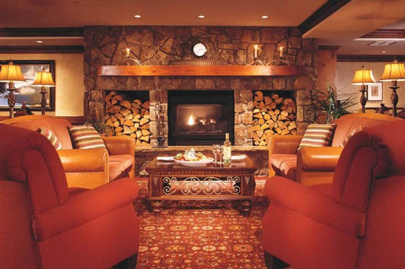 Avalanche pub at the Vail Marriott Mountain Resort - Ski Hotel in Vail, USA