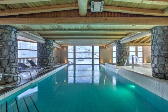 Chalet Clementine, Val Thorens, France, Infinity Pool in Complex