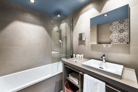 Bathroom, Residence Chalet Skadi - Ski Apartments in Val d'Isere, France