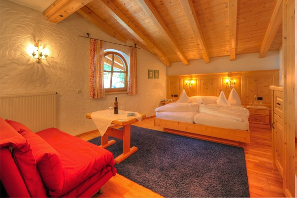 Bedroom - Hotel Zur Pfeffermuehle, St Anton, Austria