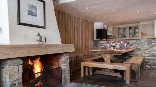 Dining room in chalet Bonne Neige