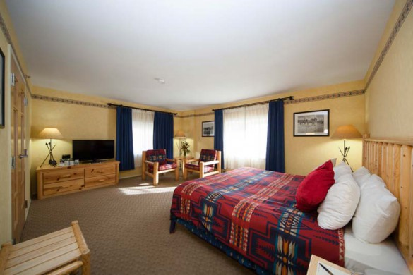 Brewster's Mountain Lodge, Banff, Canada, Deluxe King