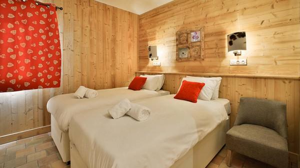 Twin Room - Chalet Campanula - Ski Chalet in La Plagne, France