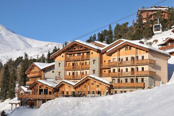 Hotel Carlina, snowy exterior, Belle Plagne