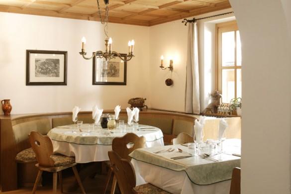 Chalet Furka dining, Lech - Zug