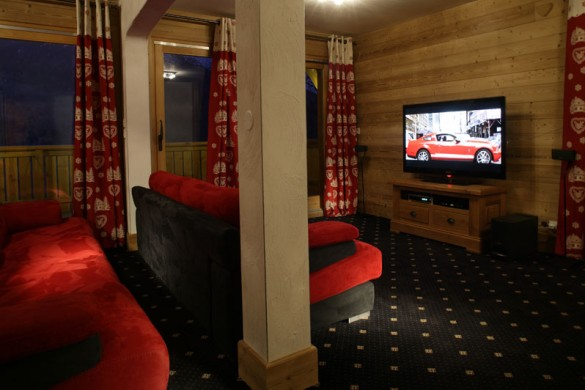 Chalet Laetitia cinema, Meribel