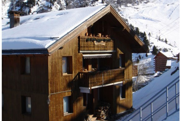 Chalet Leopold ext side, Meribel