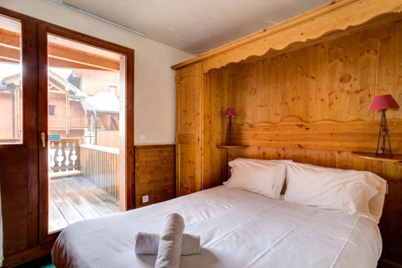 Chalet Aries, Val Thorens, France, Double Bedroom