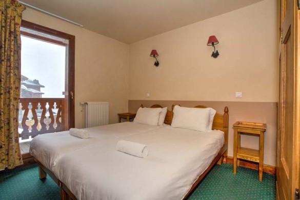 Chalet Capricorne, Val Thorens, France, Double Bedroom