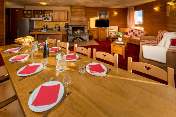 Chalet Caron dining room/lounge, Val Thorens, France