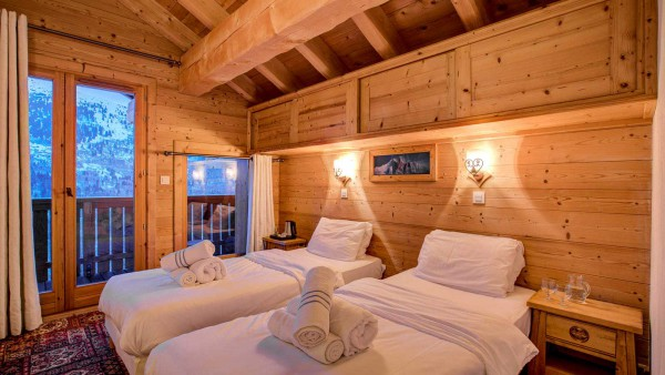 Chalet Laetitia, Meribel - Bedroom