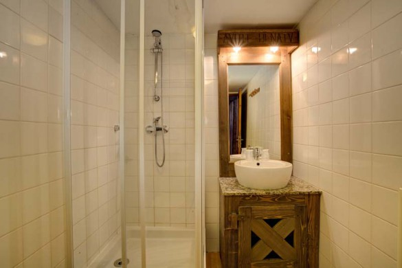 Chalet Libra, Val Thorens, France, Bathroom