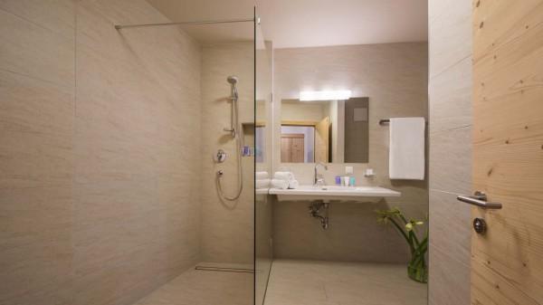 Bathroom, Chalet Nimbus, St. Anton, Austria