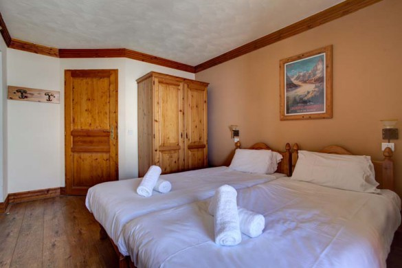 Chalet Rayon de Soleil, Val Thorens, France, Twin Bedroom