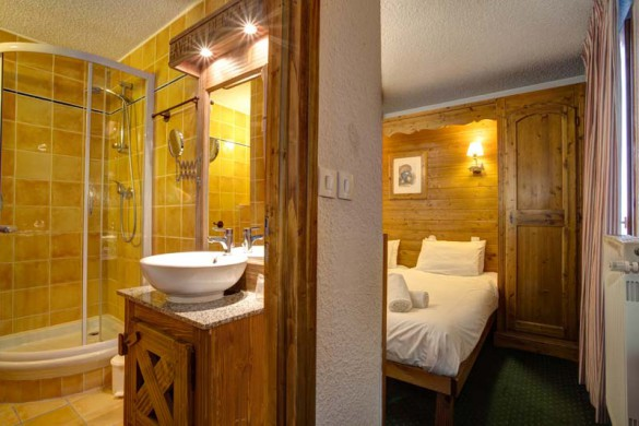 Chalet Renod, Val Thorens, France, En Suite Bathroom