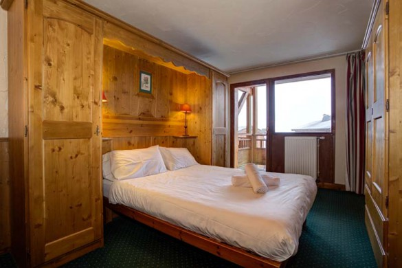 Chalet Sagittaire, Val Thorens, France, Double Bedroom
