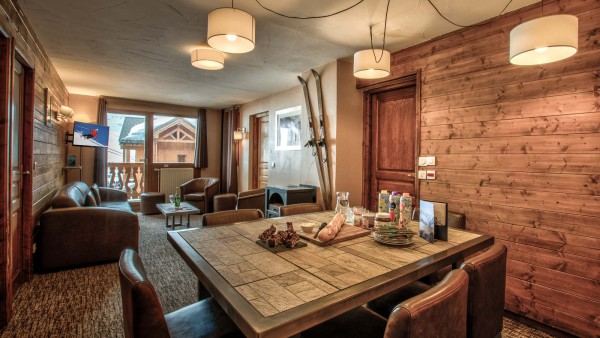 Chalet Verseau, Val Thorens - Dining table