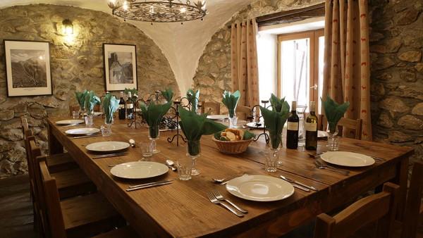 Chalet Chamois Volant dining, Les Deux Alpes