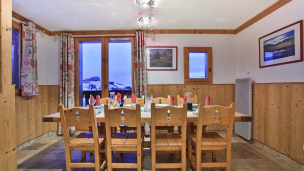 Dining room, Chalet Charmant, La Plagne, France