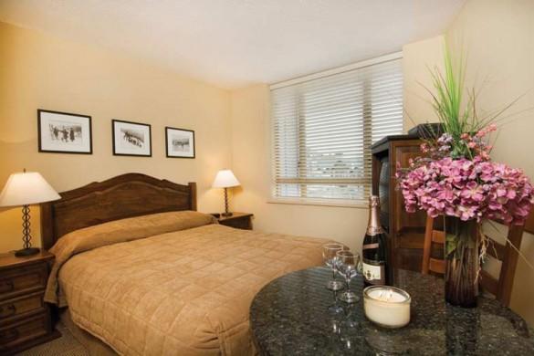 Condo Cascade Lodge, bed, Whistler