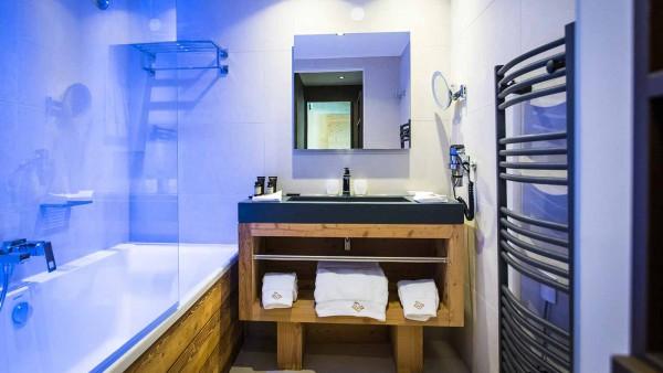 Daria-I Nor Hotel, Alpe D'Huez - Bathroom