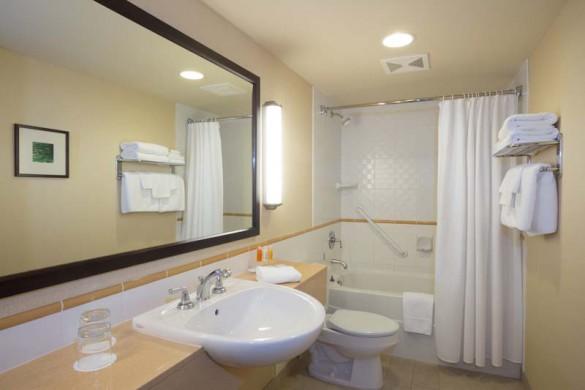 Crystal Lodge, Whistler, Canada, deluxe bathroom