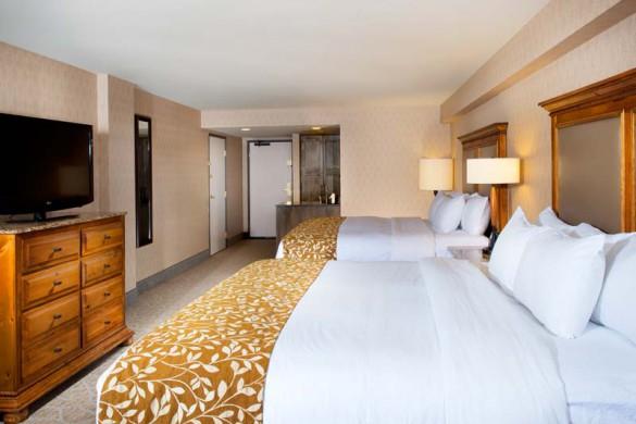 Bedroom - DoubleTree by Hilton - Ski Hotel in Breckenridge, USA