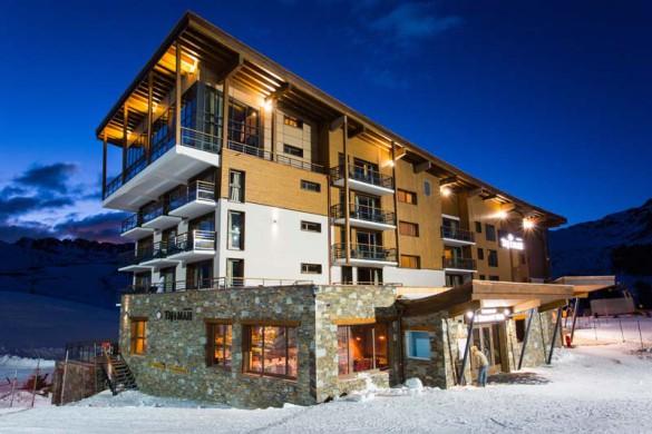 Exterior Night, Hotel Taj-I-Mah - Ski Hotel in Les Arcs, France